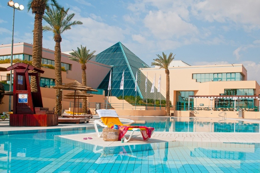 magic-sunrise-club-eilat-pool